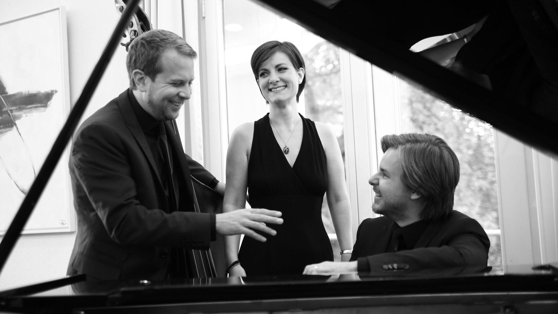 Kultur alte Kirche - Ellington-Trio-1_von-Thomas-Biesenbach